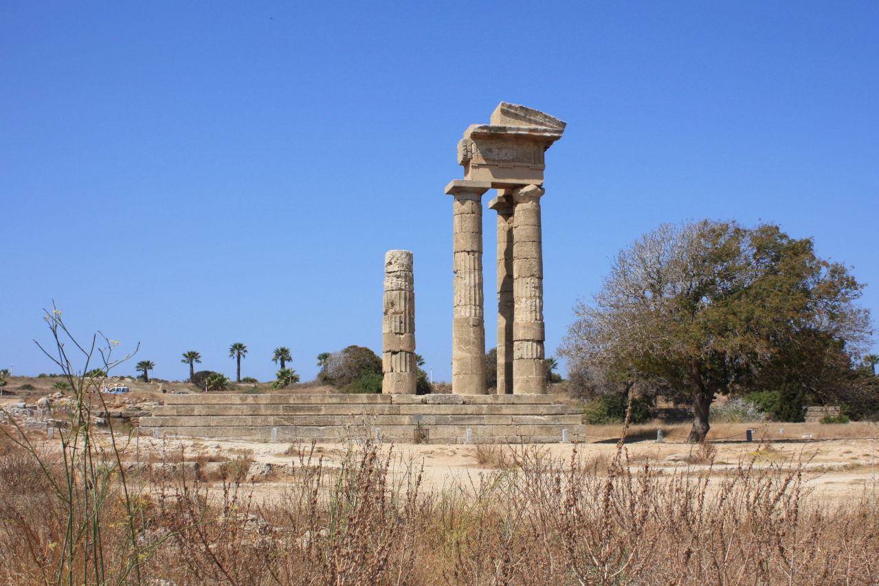 Acropolis_of_Rhodes_Temple