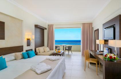 104_Deluxe_Guestroom_Sea_View_ELYSIUM
